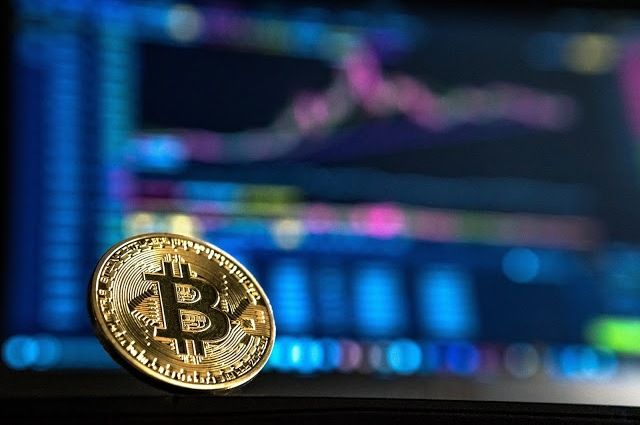Figure 2 : Bitcoin is the largest cryptocurrency and is based on blockchain technology.