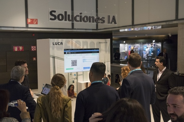 PHOTO 3: During the coffee, attendees were able to experience new technologies